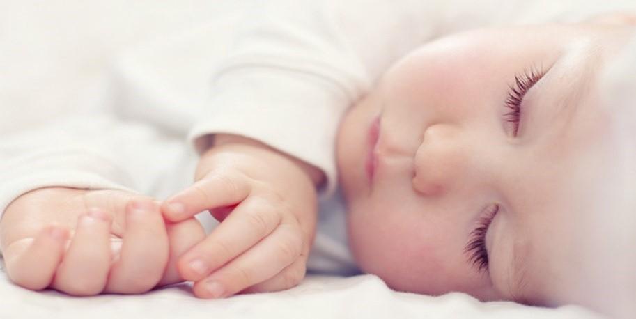การฝึกให้ลูกหลับเอง