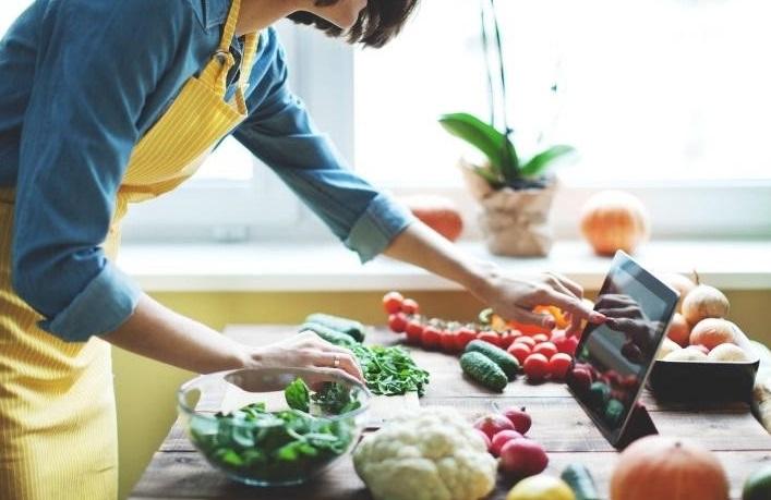 ทำอาหารให้แฟนกิน เป็นวิธีการง้ออย่างหนึ่ง