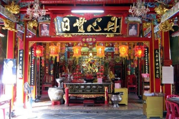 ศาลเจ้าแม่ประดู่ ตลาดเก่าเยาวราช กรุงเทพ